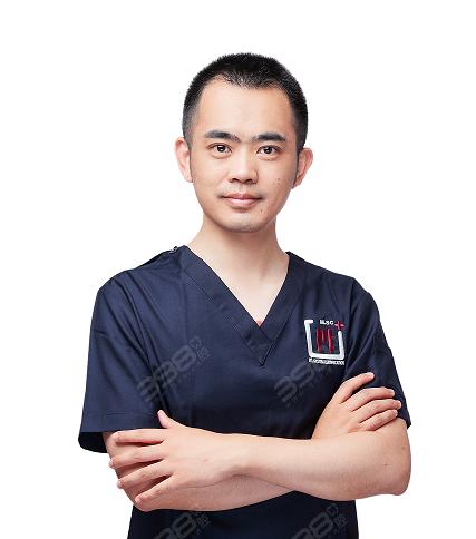 南昌维乐口腔杨高医生