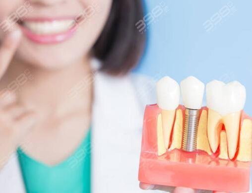 银川种植牙多少钱一颗?和仁堂口腔种牙价格贵不贵?